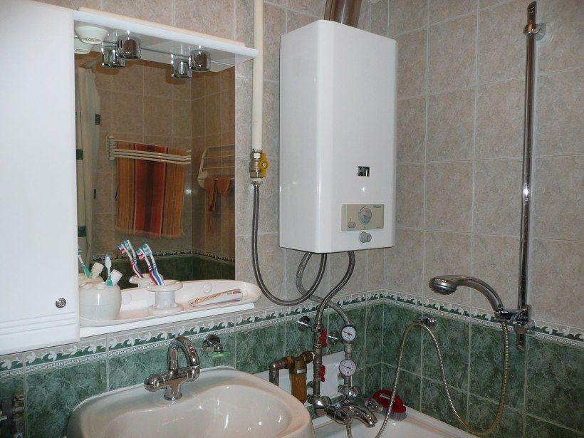Газовый бойлер в ванной